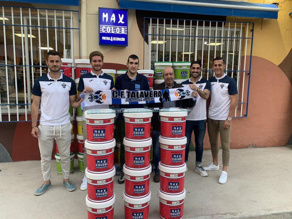 Presentación CF Talavera con miembros de Max Color